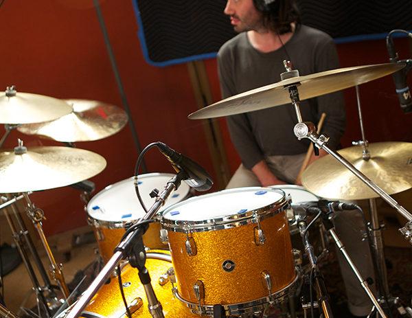 Reade-Pryor-at-drum-kit